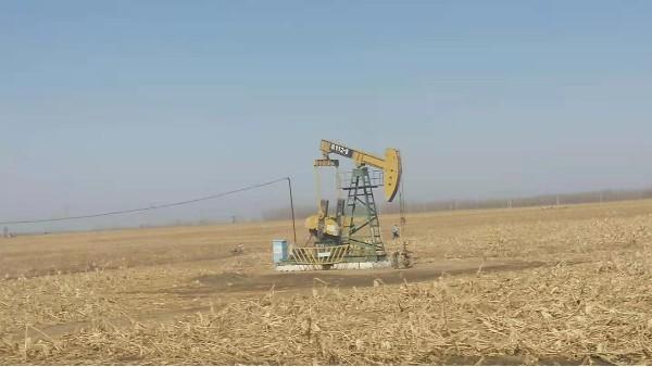 钻井采油设备